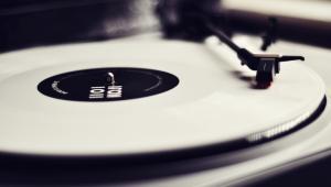 Povijest uređaja za reprodukciju muzike