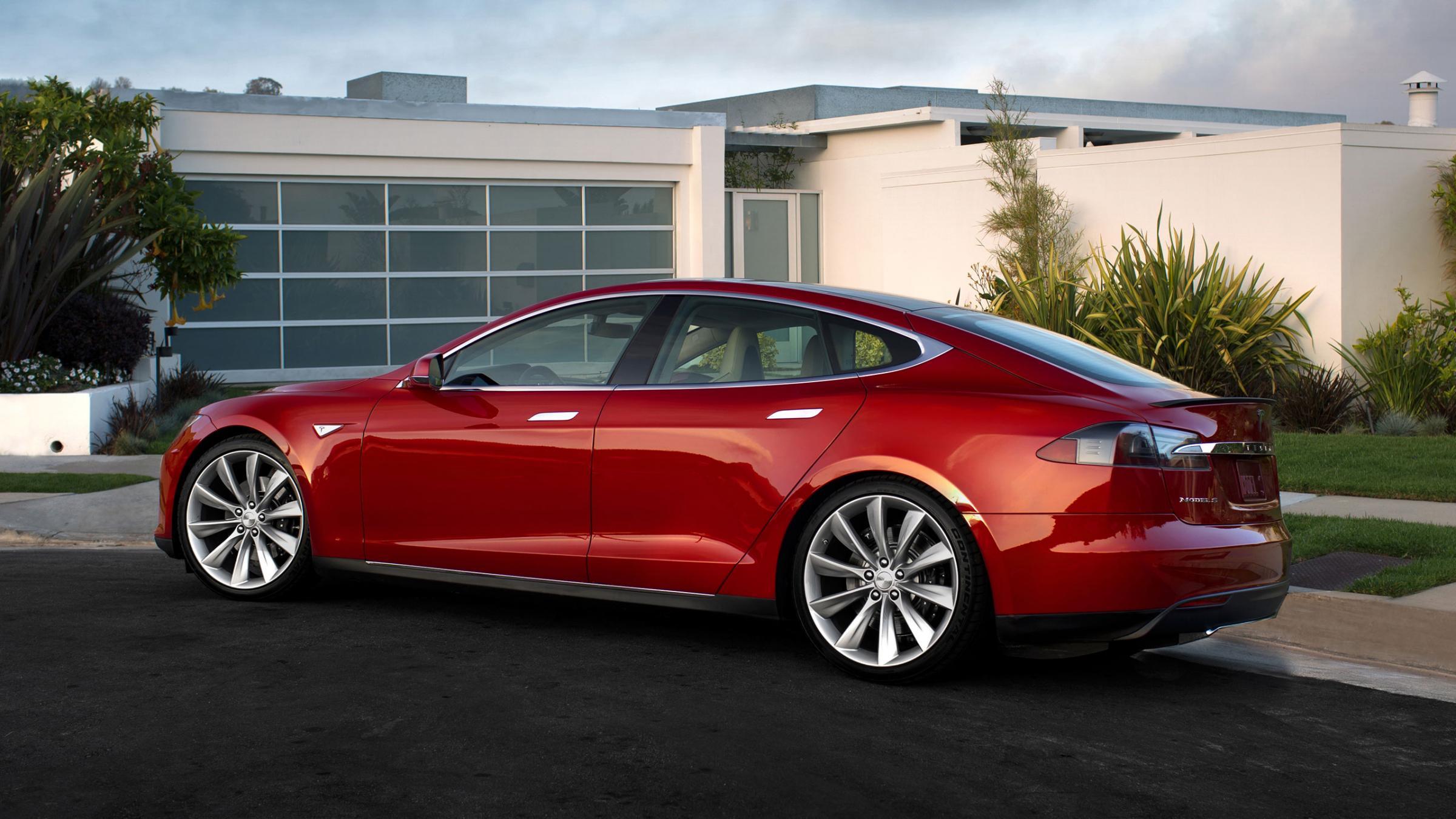 Tesla predstavio Model D